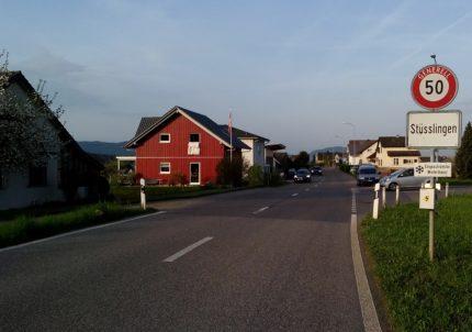Ortseinfahrt Stüsslingen